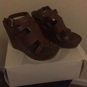 Cato brown Tan wedges